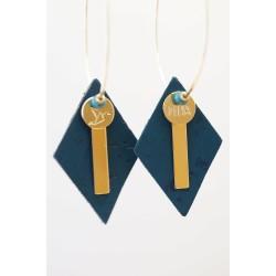 créoles en liege, bleu canard et plaqué or
