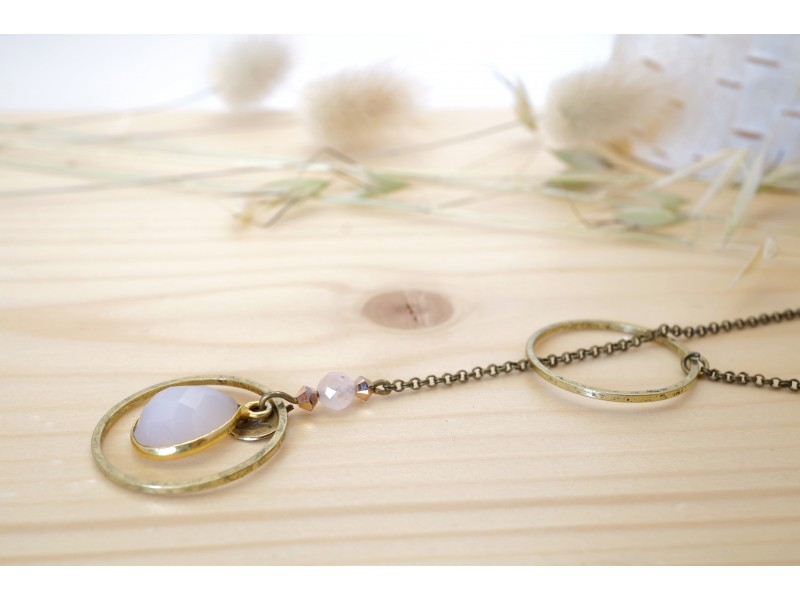 sautoir en laiton et pierre naturelle, quartz rose, rose et or rose