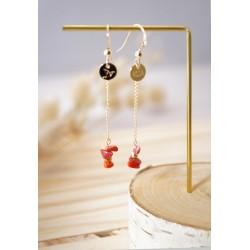 boucles d'oreilles pendantes en plaqué or et coquillage du pacifique, rouge/orangé et or