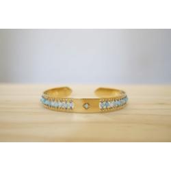 jonc doré à l'or fin et tissé de pierres naturelles en larimar, bleu ciel et or, bijoux bracelet femme