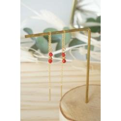 boucles d'oreilles pendantes , chainette or , corail rouge